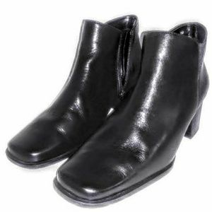 Bass Black Leather Ankle Booties Sz 7 M